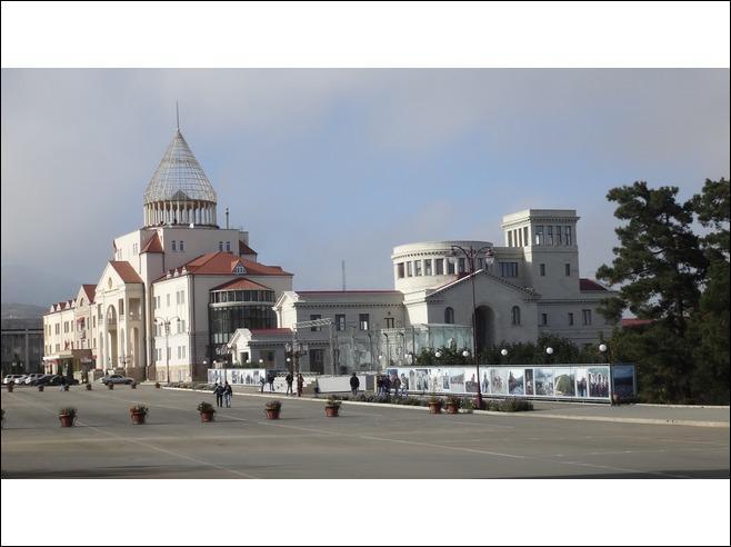 La République du Haut-Karabakh enclavée en Azerbaïdjan a pour capitale :