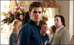 Où se trouve Stefan à la fin de la saison ?