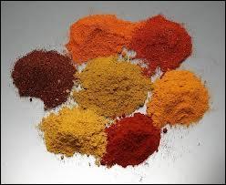 Le Cachemire, une région montagneuse dans le Nord de l'Inde, fut longtemps réputé pour une épice. Laquelle ?