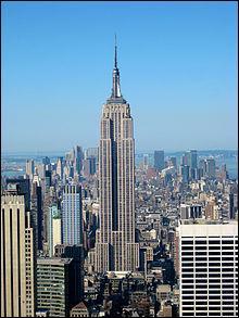 L'Empire State Building se trouve à :