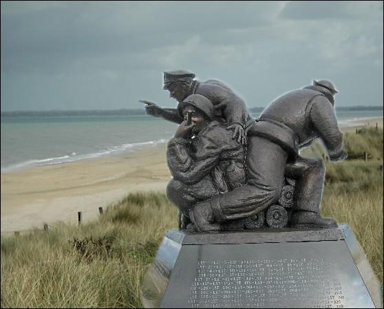Ce monument en l'honneur de l'US NAVY est le seul qui soit érigé en dehors du sol américain. Sur quelle plage de Normandie cette oeuvre du sculpteur américain Steven Spears est-elle visible ?