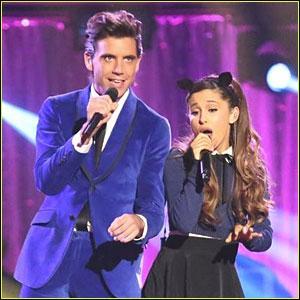 Quel clip a-t-il fait avec Ariana Grande ?