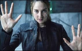 Tris est le personnage principal, quel est son vrai prénom ?