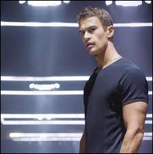 Tris va rencontrer Quatre, quel est le vrai prénom de Quatre ?