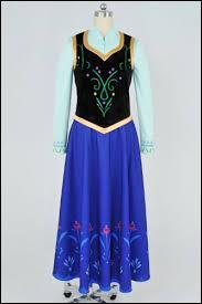 Très originale, avec une pointe de charme folklorique, cette tenue au corselet noir est toute brodée. Elle est portée par quel personnage ?