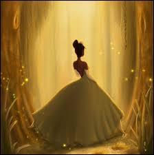 Cette somptueuse robe à crinoline, ici en contrejour et dans la pénombre, est celle de ?
