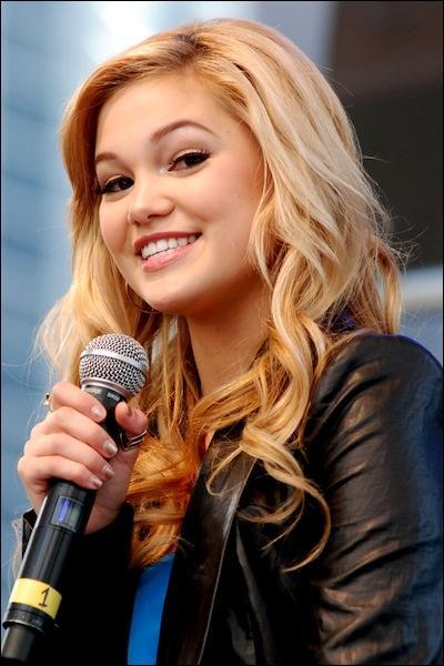 Quel prix a-t-elle gagné au Radio Disney Music Awards 2013 ?