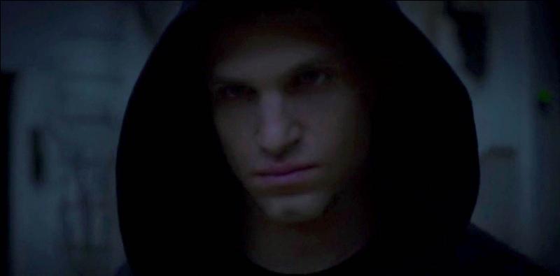 Qui va faire partie de l'équipe -A pour protéger Spencer ?