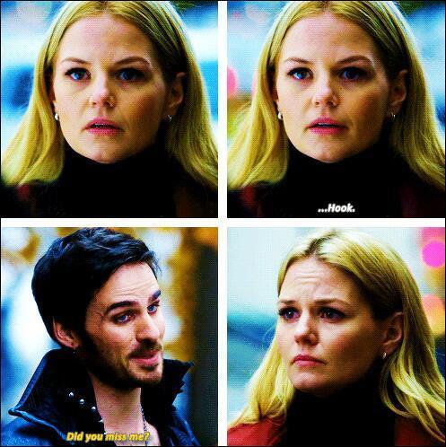 Quand Emma a perdu la mémoire quelle est la première chose que Hook fait pour la lui faire retrouver ?