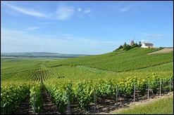 Quittons le canton d'Anet et poursuivons la route vers la Champagne-Ardenne. Nous poserons les valises chez les Agéens, ils vous serviront de quoi vous rafraîchir !