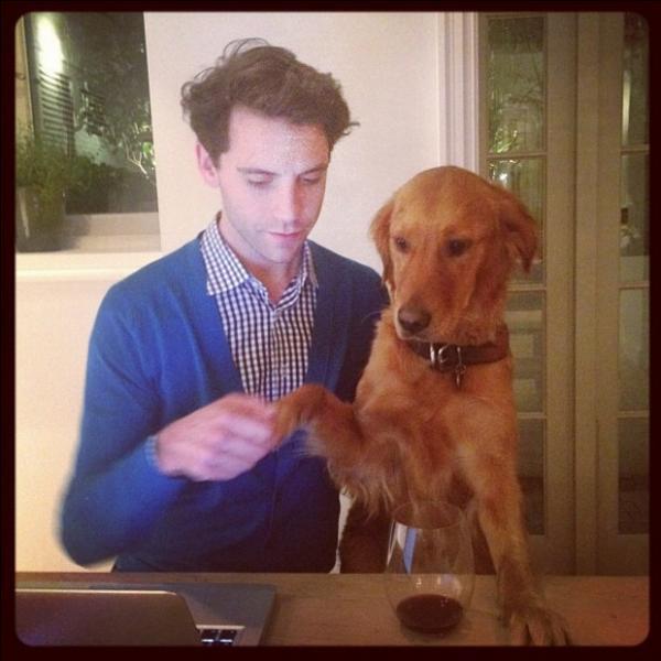 Comment s'appelle le chien de Mika ?