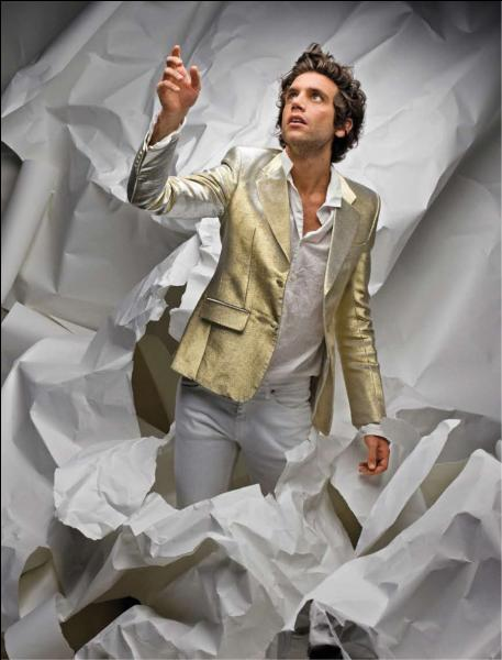 En quelle année Mika remporte-t-il 3 Awards ?