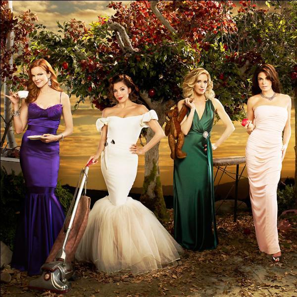 Que se passe-t-il dans le 1er épisode de  Desperate Housewives  ?