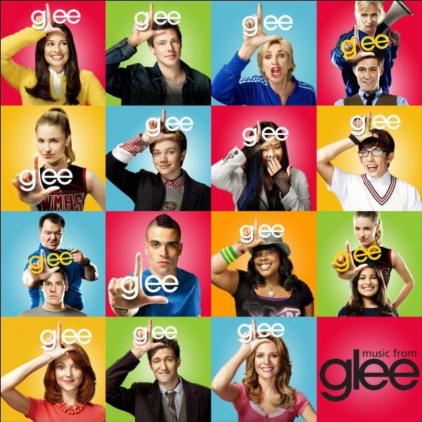 Quelle célèbre people joue son propre rôle dans  Glee  saison 3 ?