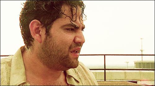 EP2. Sur le toit de l'immeuble où Rick et la bande sont coincés, Morales demande à Rick d'où il vient. Que répond-il ?