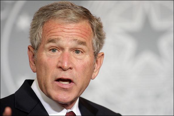 Suite à quel événement le néologisme  busherie  a t-il été créé pour dénoncer l'action militaire excessive des Etats-Unis au Moyen-Orient ?