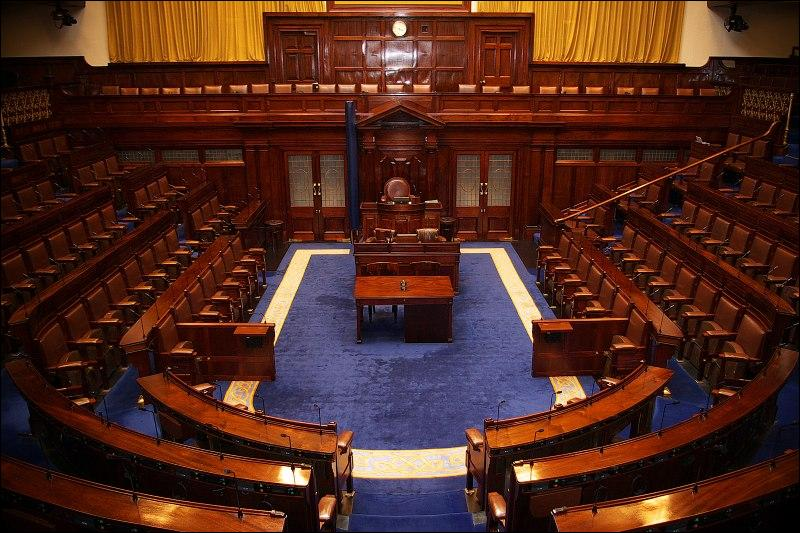 Quizz visitons l 39 irlande quiz irlande for Chambre basse parlement