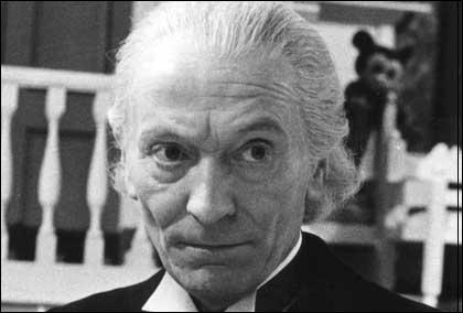 Je suis un acteur britannique né à St. Pancras le 8 janvier 1908. Qui suis-je ?