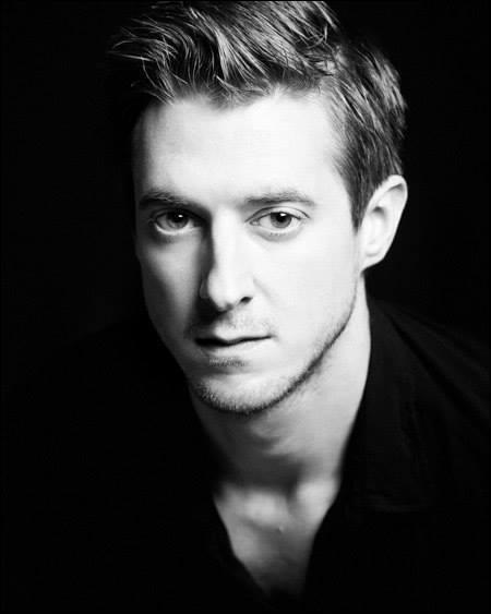 Je suis un acteur britannique né à Birmingham le 17 juin 1982. Qui suis-je ?