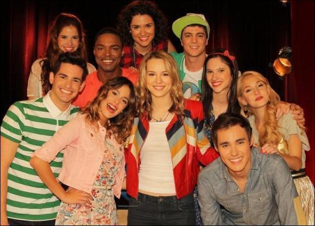 Quelle star de Disney Channel est venue voir les élèves du Studio On Beat ?