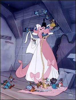 Cendrillon : Dans la chanson  Les harpies , on peut voir les souris confectionner une robe pour Cendrillon mais pourquoi cette dernière ne le fait-elle pas ?