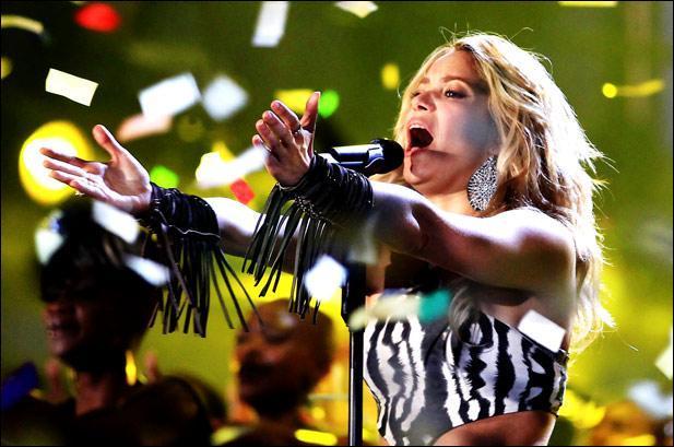 Quelle chanson Shakira a-t-elle interprétée lors de la cérémonie d'ouverture de la Coupe du Monde de la FIFA 2010 en Afrique du Sud ?