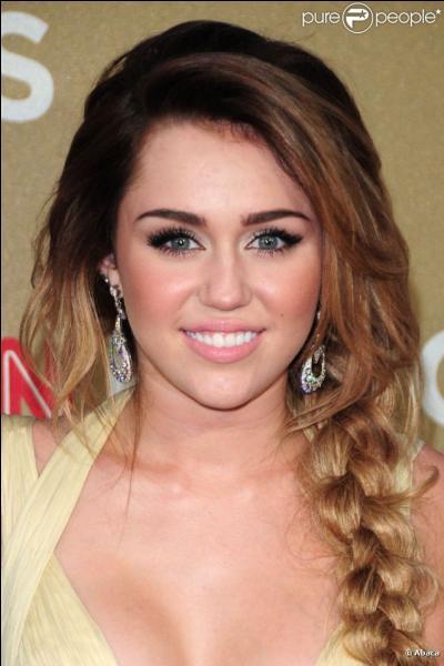 Dans quelle série jouait Miley Cyrus ?