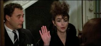 Mais quelle mouche a bien pu piquer Isabelle Adjani ? Mais si, souvenez-vous de sa coupe  Iroquois  (Hug) dans...