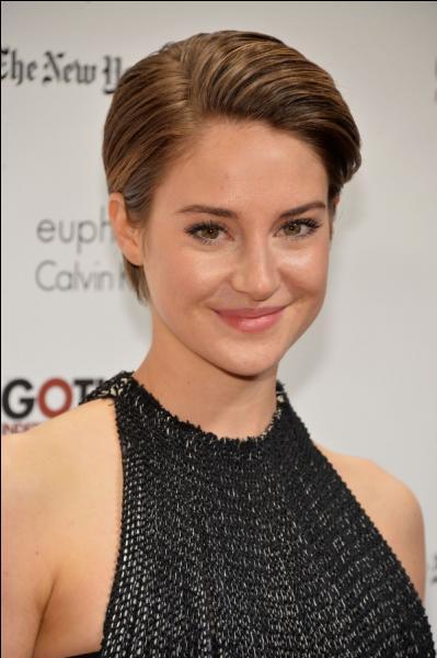 De qui Tris est-elle tombée amoureuse ?