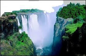 Les chutes Victoria se situent au Kenya ?