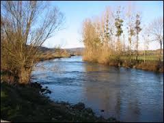 Qu'est-ce qui a révélé en 1901 que la rivière la Loue, chère au peintre Courbet, était une résurgence ( la réapparition d'eaux souterraines ) du Doubs ?