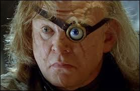 Dans  Harry Potter et la Coupe de feu , qui est réellement Alastor Maugrey (Fol'Œil) ?