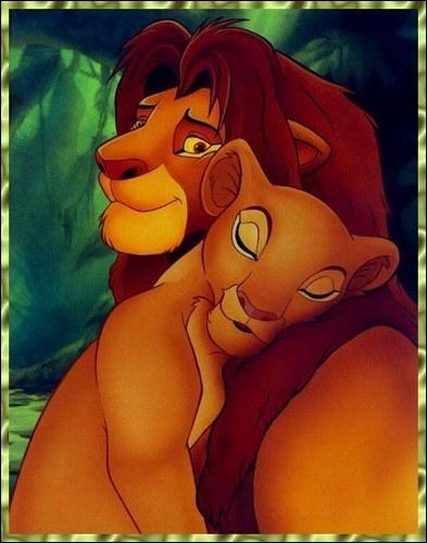 Il décide de quitter la terre des lions après avoir causé la mort de son père. Ils se retrouvent par hasard lorsqu'elle part chasser dans la jungle. De qui s'agit-il ?