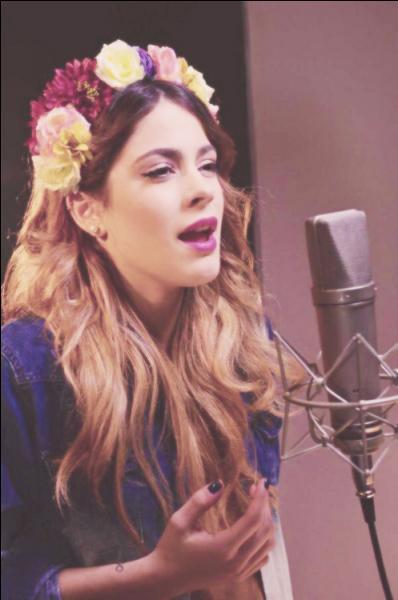 Quel est le titre de la chanson du film Disney,  La Reine des neiges , interprété en espagnol par Martina ?