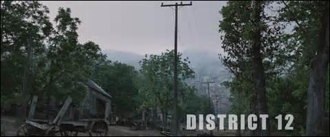 Avec quelle sorte de récompense Peeta et Kathniss reviennent-ils au District 12 ?