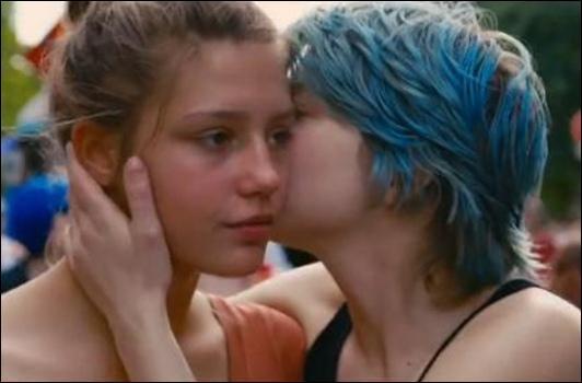 L'une des meilleures scnes lesbiennes jamais - MILF