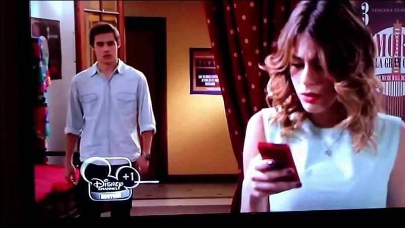 Dans la saison 2, Diego et Ludmila ont un plan pour briser le coeur de Violetta. Elle découvre ce plan dans un des épisodes. Lequel ?