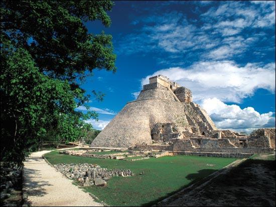 Laquelle de ces civilisations a vécu dans l'actuel Mexique ?