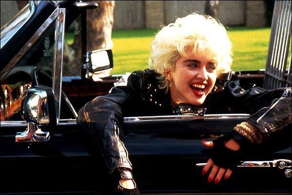 Dans le film  Who's that girl , quel animal est le partenaire de Madonna ?