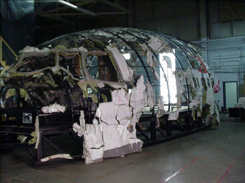 Le 02 septembre un vol de la Swissair s'écrase. Cet accident provoque la mort de 224 personnes dont Jonathan Mann, responsable des actions contre le SIDA pour l'OMS. Mais, il y a eu d'autres pertes, moins graves, bien sur. Qu'est-ce qui a été perdu ?
