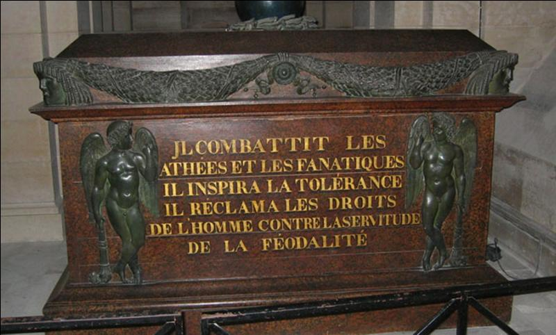 On n'y pense pas, mais il y a deux personnes qui ne reposent plus au Panthéon, alors, qu'officiellement, ils y sont inhumés. Qui sont ces deux « grands hommes de la patrie » ?