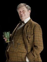 Pour finir avec Harry, comment Horace Slughorn l'appelle-t-il après avoir un peu trop bu ?