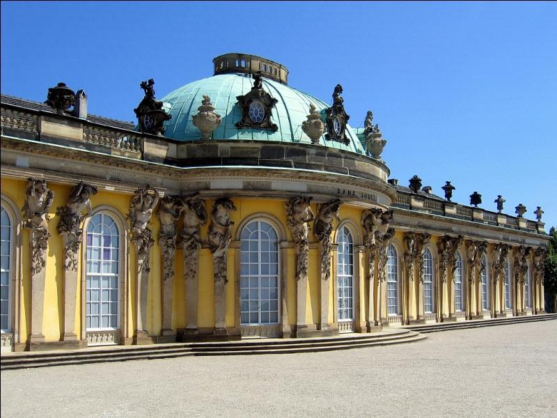 De quel joli nom a-t-on baptisé ce palais allemand, à proximité de Berlin ?
