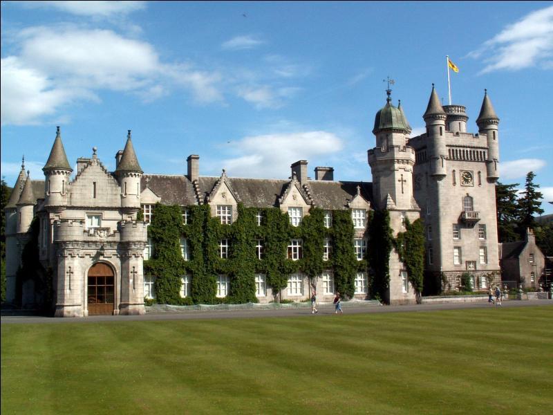 Comment s'appelle ce château écossais ?