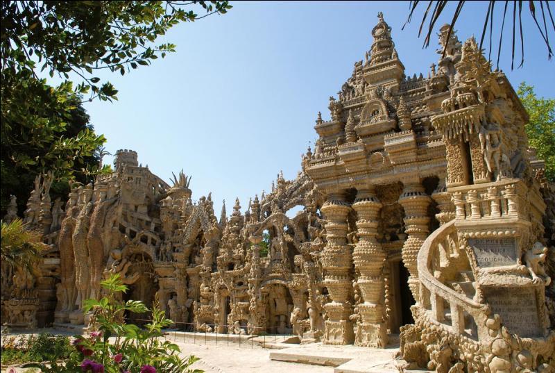 Quel était le métier du créateur du Palais idéal (que l'on peut voir à Hauterives, dans la Drôme) ?