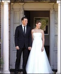 Dans quelle ville Van Pelt et Rigsby se marient-ils ?