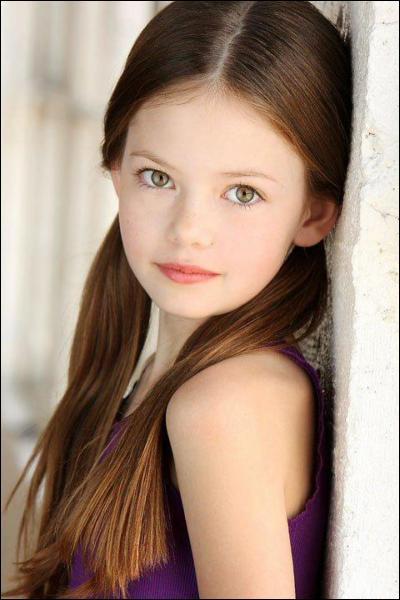"""Dans """"Twillight 5"""", comment s'appelle la fille de Bella ?"""