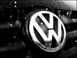 Je suis une marque allemande, mon nom signifie  La voiture du peuple , je suis...
