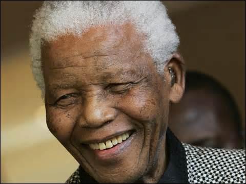 En 1987, Johnny Clegg a chanté ''Asimbonanga'' pour soutenir Nelson Mandela alors emprisonné en Afrique du Sud. Il a contribué à faire vaciller l'Apartheid par un engagement courageux. Quel était son surnom ?