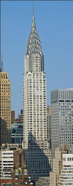 Je suis un gratte-ciel de New York mais quel est mon nom, sachant que ma flèche est composée d'acier inoxydable et répartie en 7 arches ?
